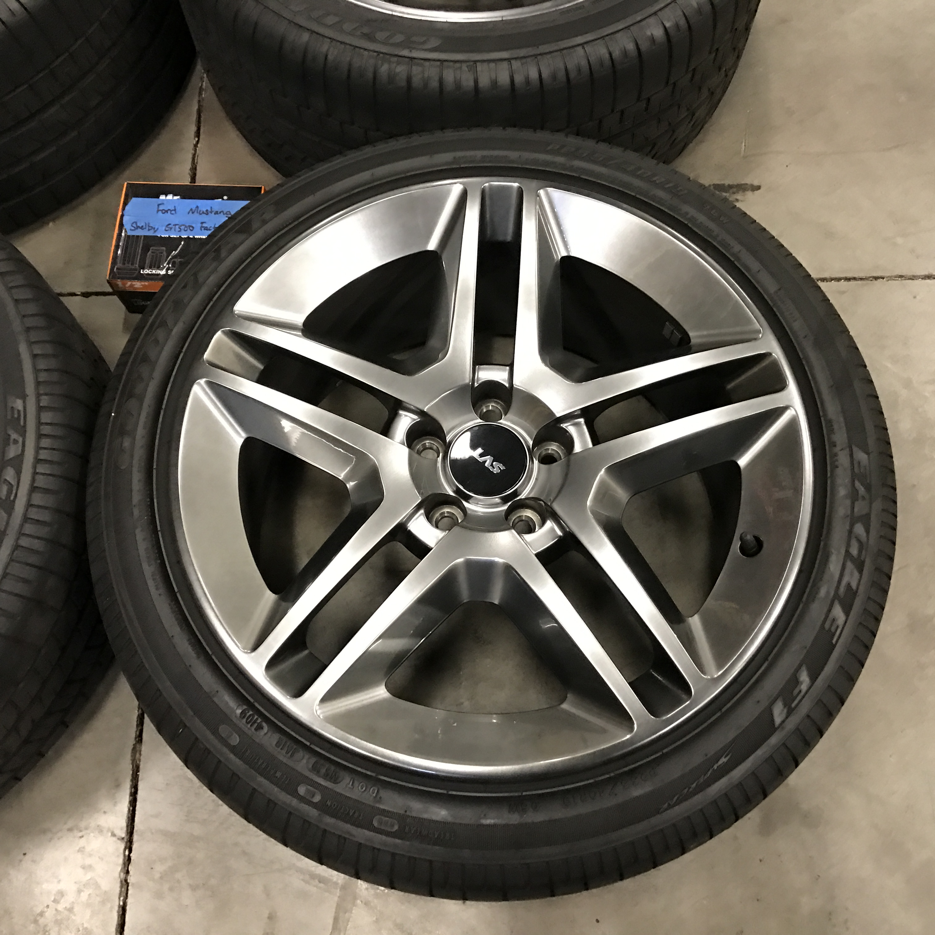 Ford Mustang SVT Shelby GT500 Wheels + Tires