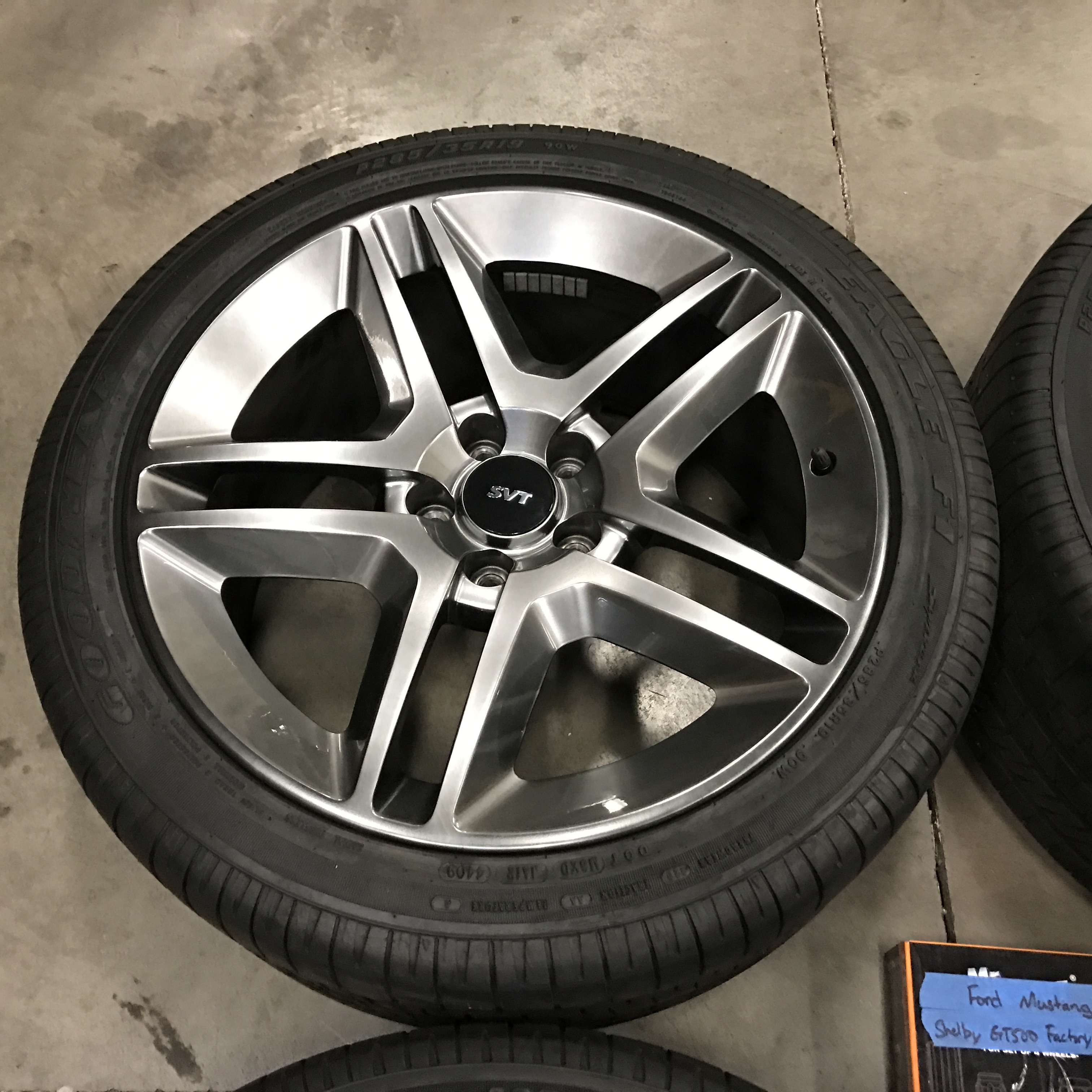Ford mustang svt shelby gt500 wheels tires