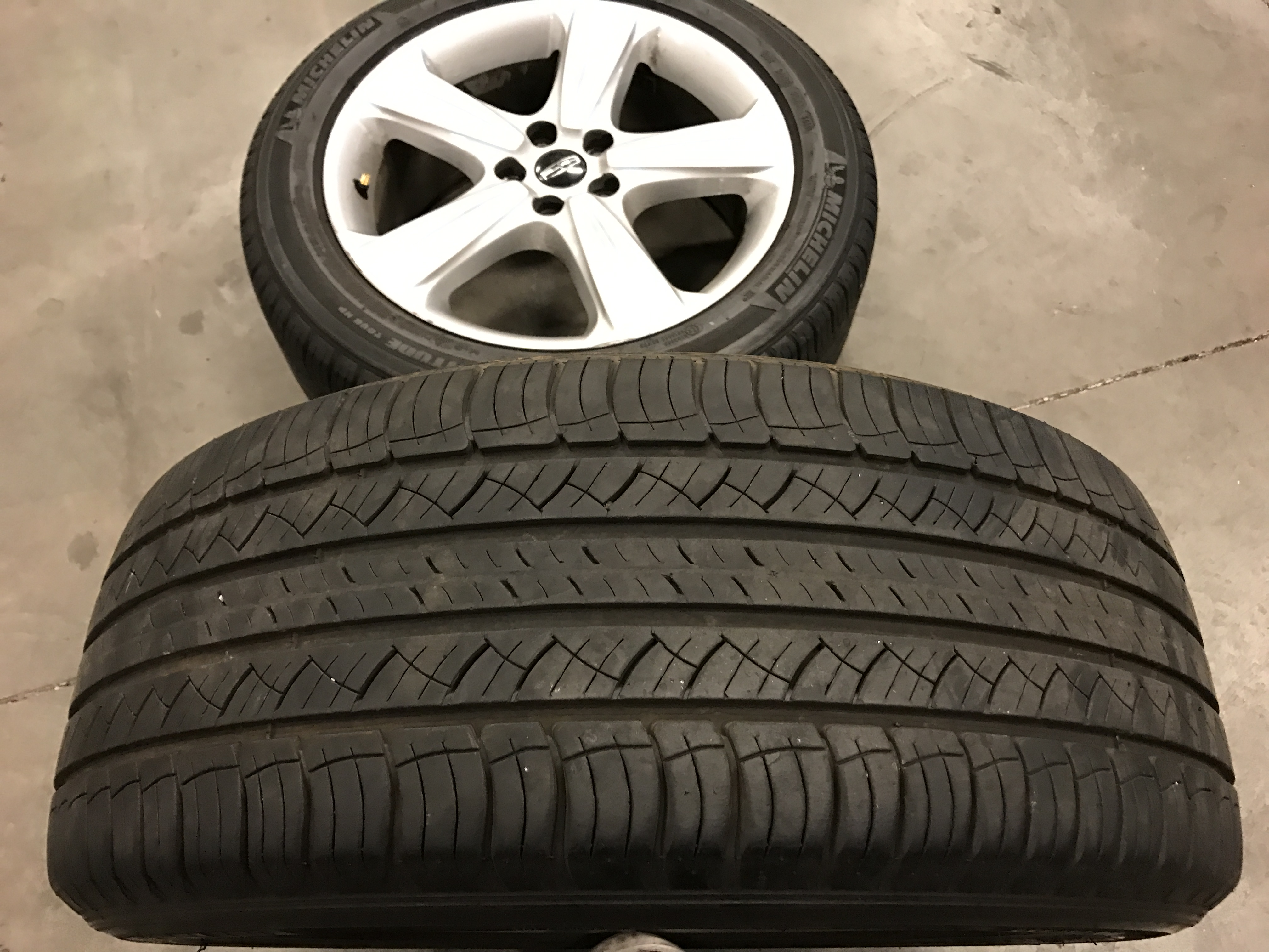 2017 Lincoln Mkc Select >> Lincoln MKC OEM Wheels + Tires - Extreme Wheels